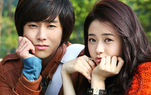 Xôn xao tin U-Know Yunho hẹn hò Go Ara 3