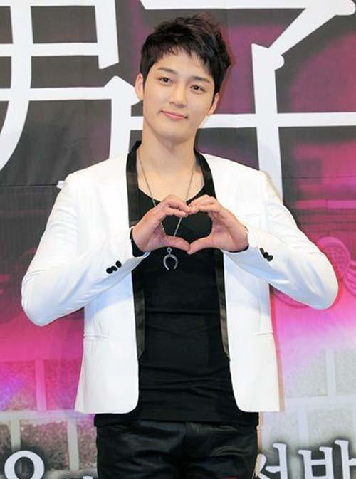 Nam diễn viên Kim Jin Woo gặp tai nạn giao thông 2