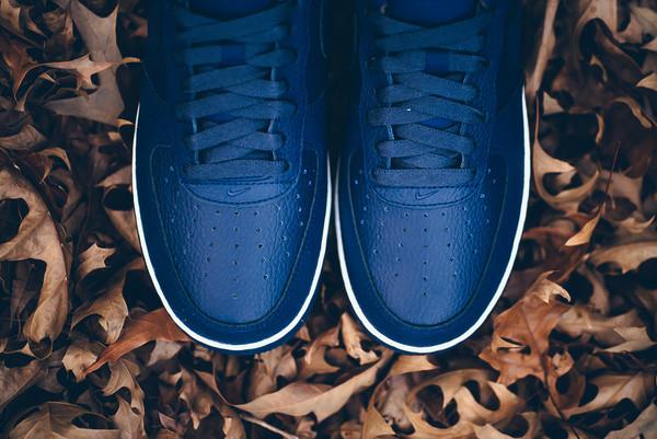 Đọ độ hot của các mẫu giày sneaker lên kệ những ngày cuối năm - Ảnh 14.