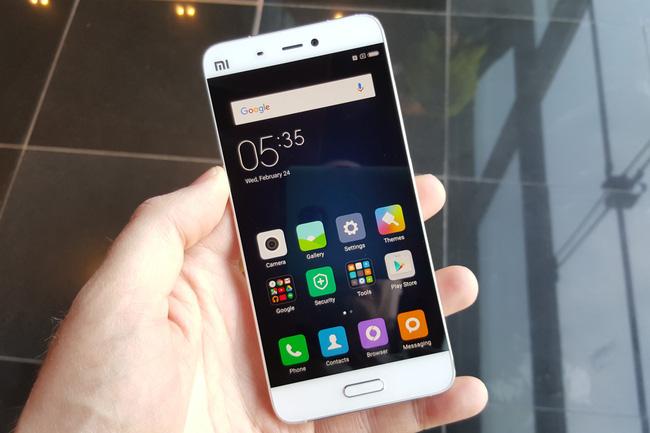 Là sinh viên, chọn mua smartphone chính hãng giá dưới 7 triệu nào tốt nhất? - Ảnh 1.
