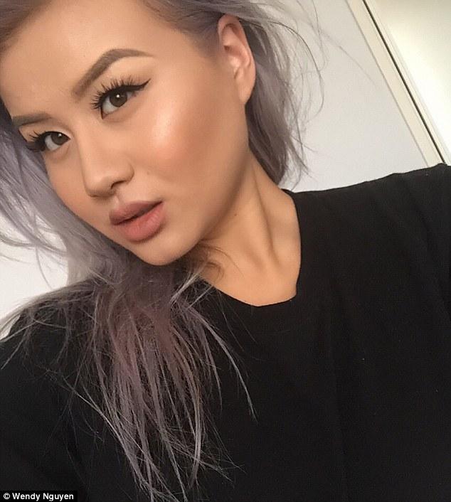 Cô nàng gốc Việt với BST hàng trăm món mỹ phẩm và Instagram toàn ảnh flat lay siêu đẹp - Ảnh 1.