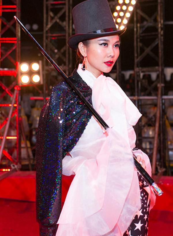 Cô giáo đầy cá tính suốt 3 mùa Vietnam Next Top Model - Ảnh 5.