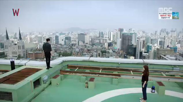 W - Two Worlds: Tự tử quá nhiều, Lee Jong Suk quên mất cả vợ Hyo Joo? - Ảnh 3.