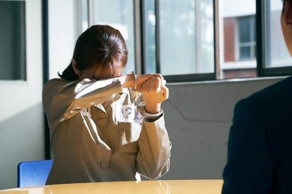 """""""W"""" tập 7: Sau nụ hôn sâu, Han Hyo Joo một bước thành vợ Lee Jong Suk - Ảnh 7."""