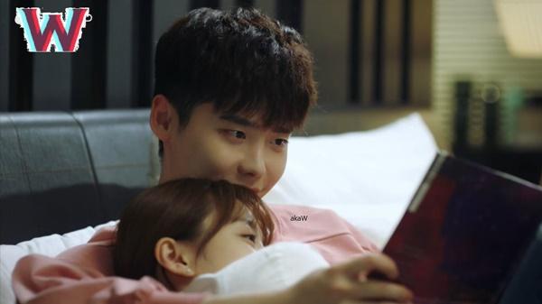 """""""W"""" tập 7: Sau nụ hôn sâu, Han Hyo Joo một bước thành vợ Lee Jong Suk - Ảnh 11."""