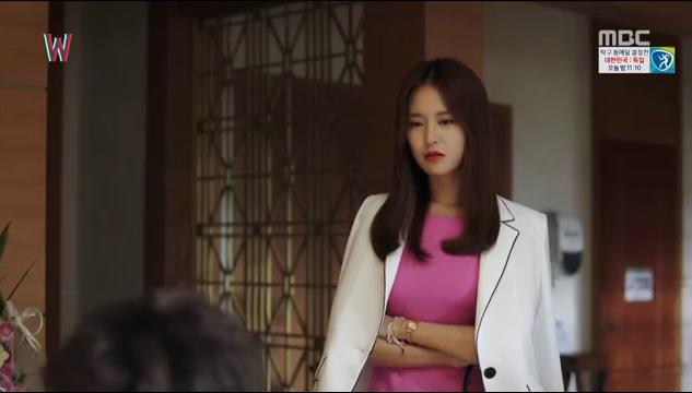 W - Two Worlds: Tự tử quá nhiều, Lee Jong Suk quên mất cả vợ Hyo Joo? - Ảnh 8.