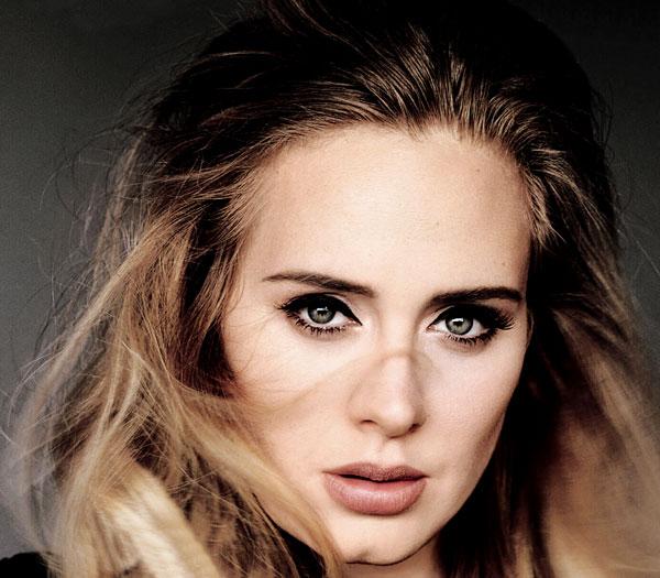 Adele trông như người lạ khi thiếu đi đường kẻ mắt trứ danh - Ảnh 2.