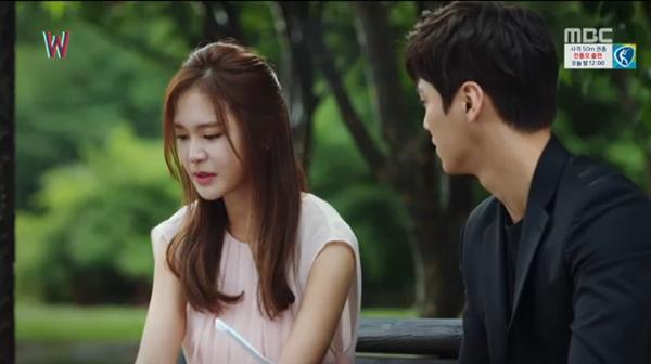 """""""W"""" tập 7: Sau nụ hôn sâu, Han Hyo Joo một bước thành vợ Lee Jong Suk - Ảnh 13."""