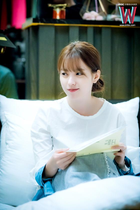"""""""Ba Thế Giới: Điều gì sẽ xảy ra nếu Woo Bin, Lee Jong Suk, Jo Jung Suk tập hợp? - Ảnh 8."""
