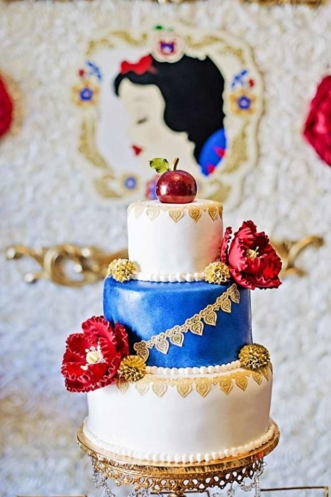 16 chiếc bánh cưới đẹp mắt lấy cảm hứng từ phim hoạt hình Disney - Ảnh 1.