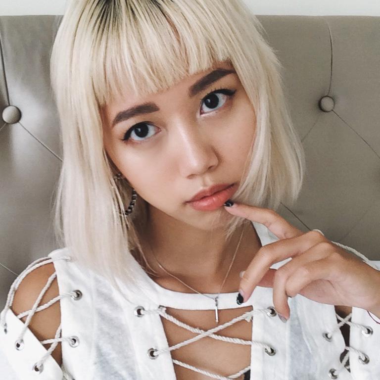 Cách thoát khỏi da dầu và mụn hay ho của Daul Be - cô nàng beauty blogger có làn da khó chiều - Ảnh 1.