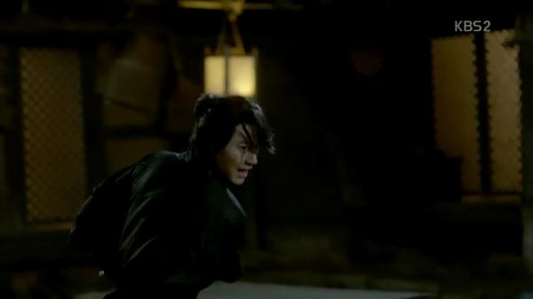 """""""Moonlight"""": Thế tử Park Bo Gum tự tay cắt đứt vòng hẹn ước với Kim Yoo Jung - Ảnh 16."""
