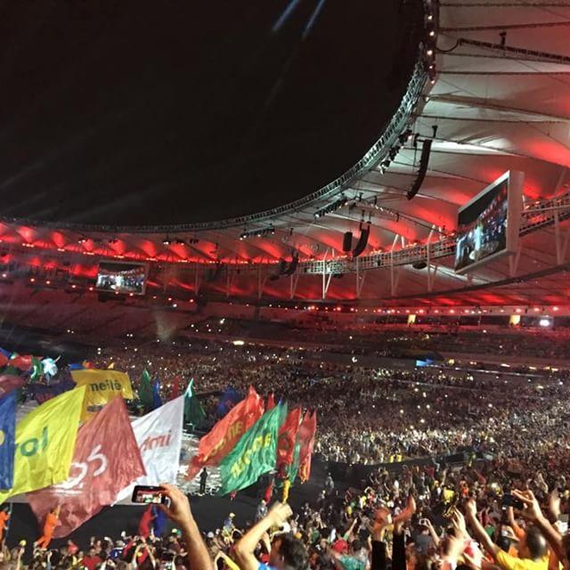 Foto do maracanã cheio no dia da abertura dos jogos paraolímpicos