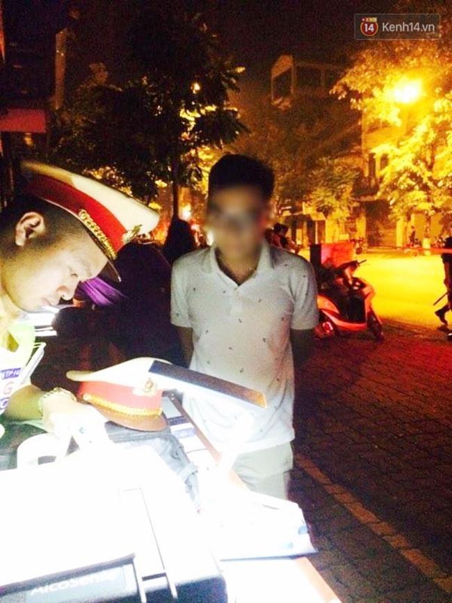 Hà Nội: Thanh niên điều khiển Mercedes chạy trốn 141, đám đông náo loạn truy đuổi - Ảnh 3.