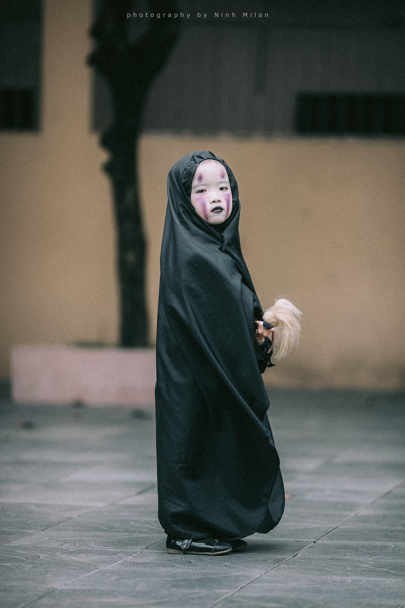 Không kém cạnh cô bé Đài Loan,