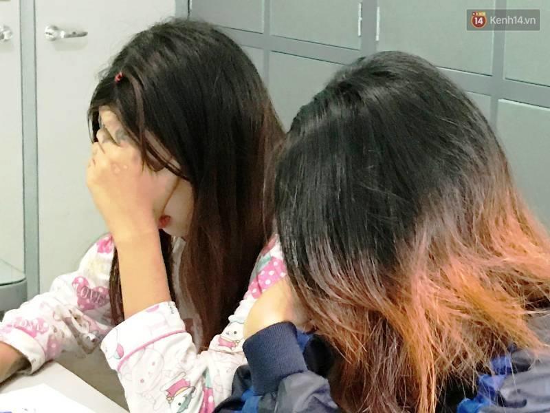 2 thiếu nữ cầm đầu băng nhóm đánh hội đồng nữ sinh bật khóc và xin được tha thứ