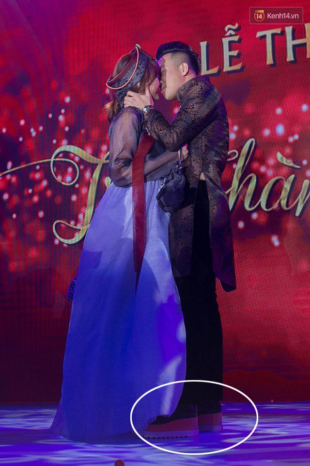 Trấn Thành chi 20 triệu cho đôi giày nữ 8 phân để độn chiều cao khi làm lễ thành hôn với Hari Won - Ảnh 2.