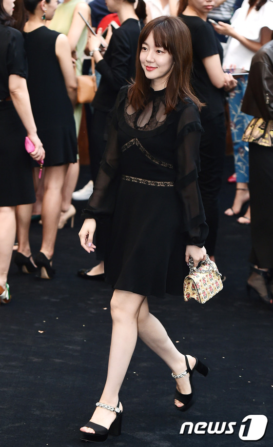 Han Hyo Joo đẹp mặn mà, lấn át Tiffany (SNSD) và Ha Ji Won trong sự kiện - Ảnh 16.