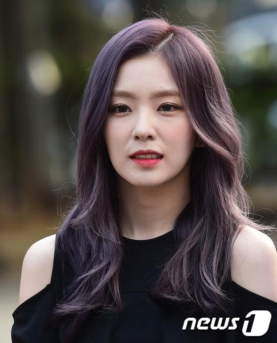 Irene đẹp xứng danh nữ thần, Red Velvet rực rỡ bên dàn thần tượng Kpop - Ảnh 1.