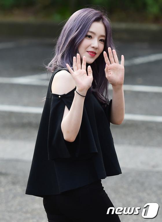 Irene đẹp xứng danh nữ thần, Red Velvet rực rỡ bên dàn thần tượng Kpop - Ảnh 5.
