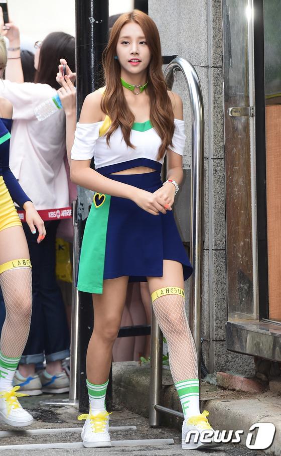 Irene đẹp xứng danh nữ thần, Red Velvet rực rỡ bên dàn thần tượng Kpop - Ảnh 12.