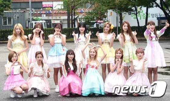 Irene đẹp xứng danh nữ thần, Red Velvet rực rỡ bên dàn thần tượng Kpop - Ảnh 18.