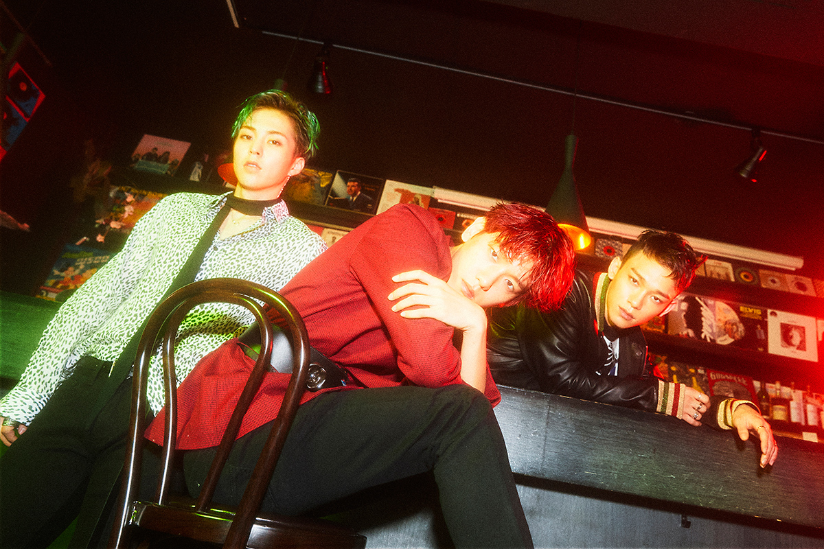 Bộ ba EXO rực rỡ đầy màu sắc trong loạt ảnh nhá hàng mới