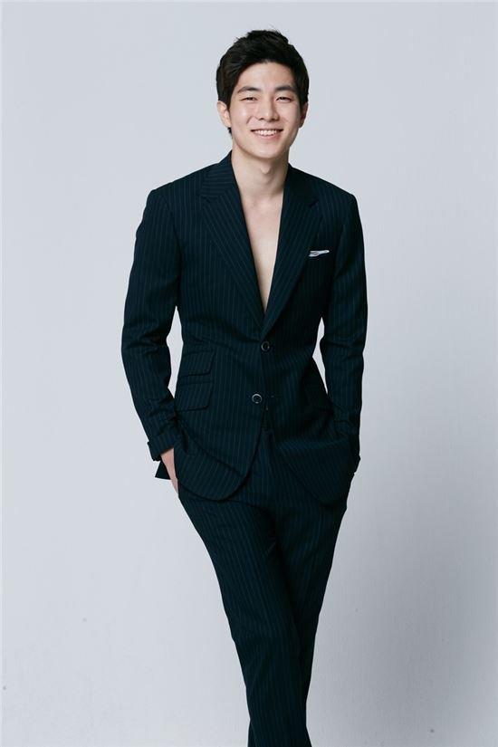 Cặp đôi Huyền thoại biển xanh Jeon Ji Hyun - Lee Min Ho: Đẹp, giàu, đến người yêu cũng khủng - Ảnh 26.