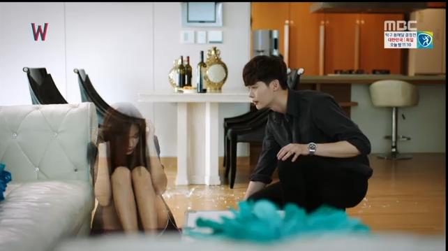 W - Two Worlds: Tự tử quá nhiều, Lee Jong Suk quên mất cả vợ Hyo Joo? - Ảnh 28.