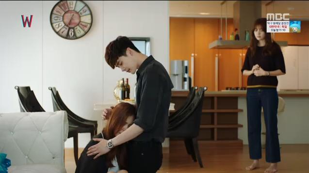 W - Two Worlds: Tự tử quá nhiều, Lee Jong Suk quên mất cả vợ Hyo Joo? - Ảnh 30.