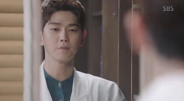 Doctors: Ngày Lee Sung Kyung chơi đểu Park Shin Hye cuối cùng cũng đến - Ảnh 14.