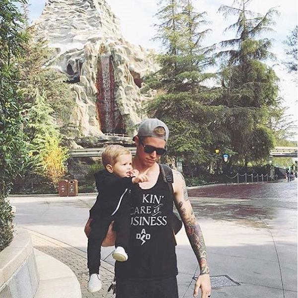 Bạn sẽ thấy vui vẻ hơn bao giờ hết khi xem bộ ảnh bố đưa con đi chơi công viên siêu đáng yêu này! - Ảnh 7.
