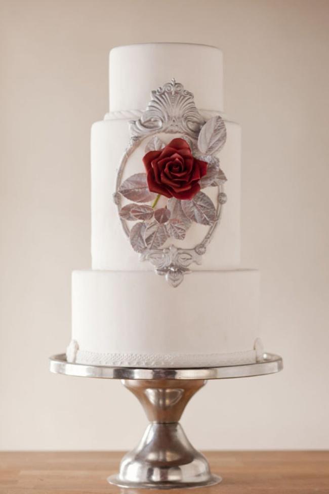 16 chiếc bánh cưới đẹp mắt lấy cảm hứng từ phim hoạt hình Disney - Ảnh 3.