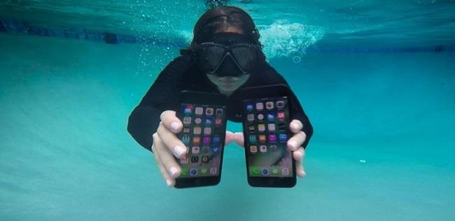 iPhone 7 sống ra sao khi đi lặn ở độ sâu 3 mét? - Ảnh 1.
