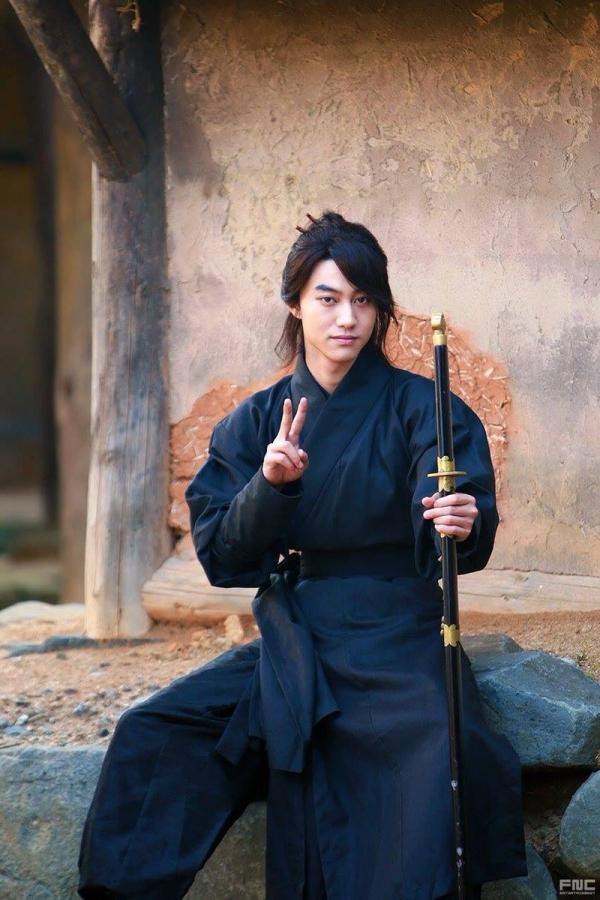 """""""Moonlight"""": Thế tử Park Bo Gum tự tay cắt đứt vòng hẹn ước với Kim Yoo Jung - Ảnh 46."""
