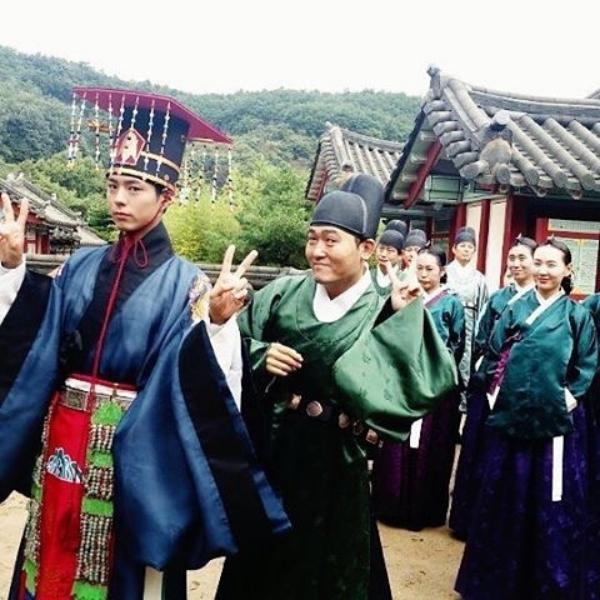"""""""Moonlight"""": Thế tử Park Bo Gum tự tay cắt đứt vòng hẹn ước với Kim Yoo Jung - Ảnh 42."""