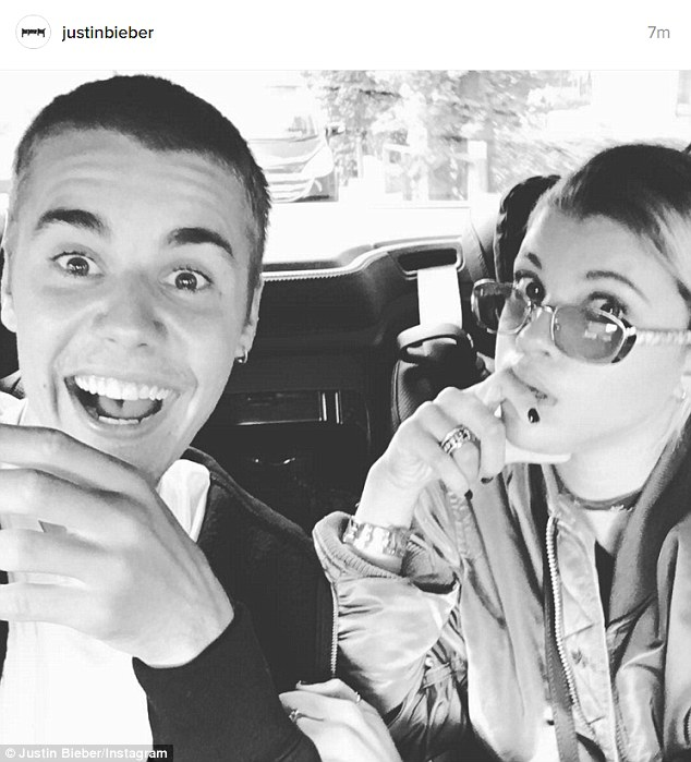 Justin Bieber xóa tài khoản hơn 77 triệu follower trên Instagram sau trận tranh cãi với Selena - Ảnh 4.