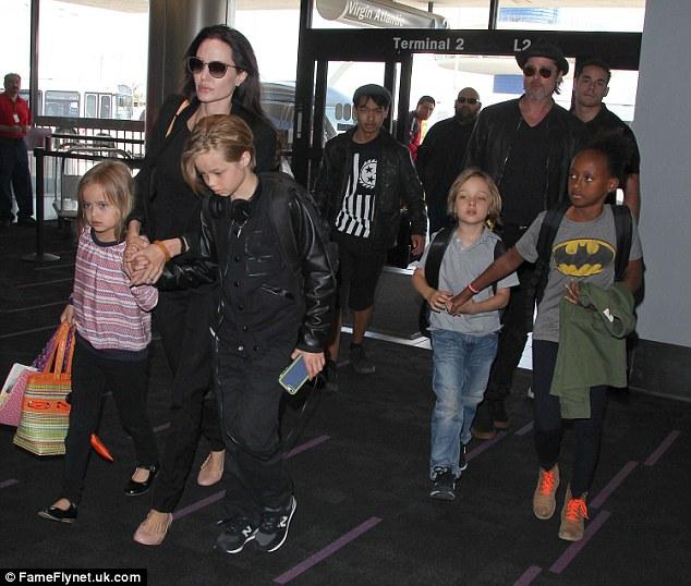 Jennifer Aniston bức xúc khi bị nhục mạ vì cuộc ly hôn với Brad Pitt - Ảnh 4.