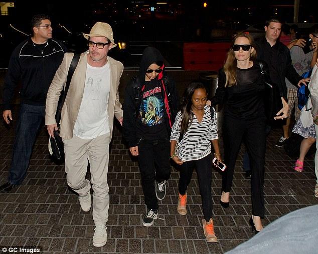 Rộ tin có băng ghi âm chứng minh Angelina cố tình vu khống Brad đánh con - Ảnh 2.