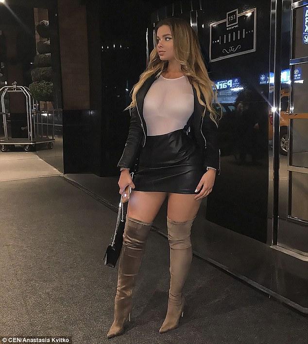 Cô gái Nga được mệnh danh là bản sao của Kim Kardashian vì sở hữu vòng một và vòng ba quá khủng - ảnh 5