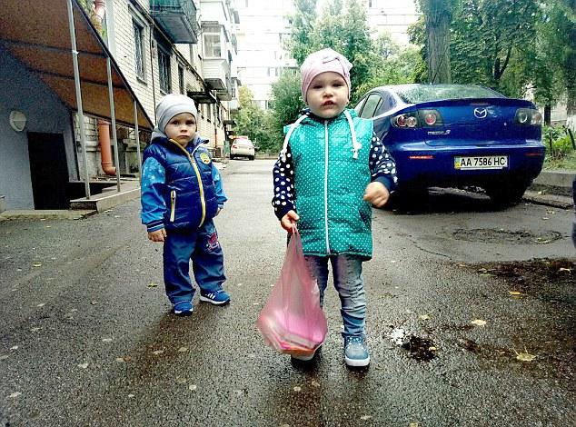 Mẹ khóa 2 con nhỏ trong nhà suốt 9 ngày để đi chơi với người yêu, và cái kết đau đớn - Ảnh 2.