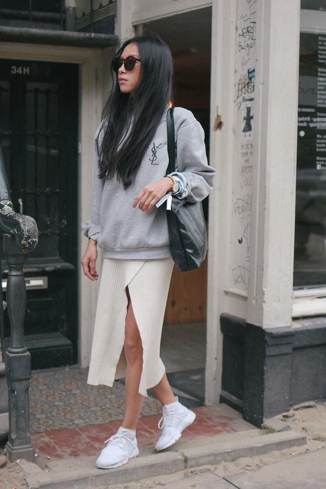 Ngắm street style giới trẻ thế giới, bạn sẽ thấy mặc chất chẳng bắt buộc phải cầu kỳ - Ảnh 9.