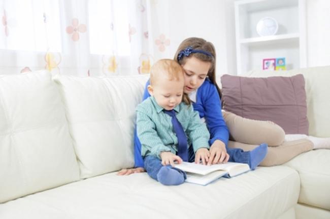 Bức thư bênh vực cậu em trai tự kỷ của cô bé 6 tuổi làm tan chảy trái tim hàng triệu người - Ảnh 3.