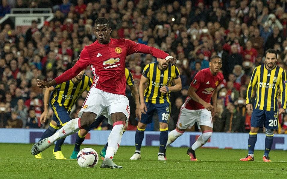 Pogba tái hiện màn 'đi bộ' sút penalty tung lưới Fenerbahce