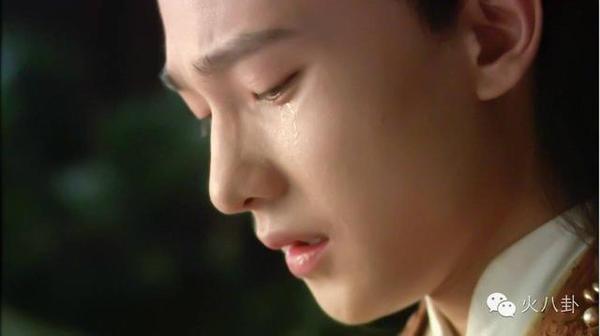 8 năm trước, Dương Dương đã từng khóc nhiều đến suýt ngất tại phim trường