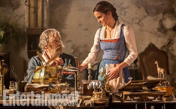Emma Watson đẹp lộng lẫy với chiếc váy vàng thần thánh trong Beauty and the Beast - Ảnh 6.