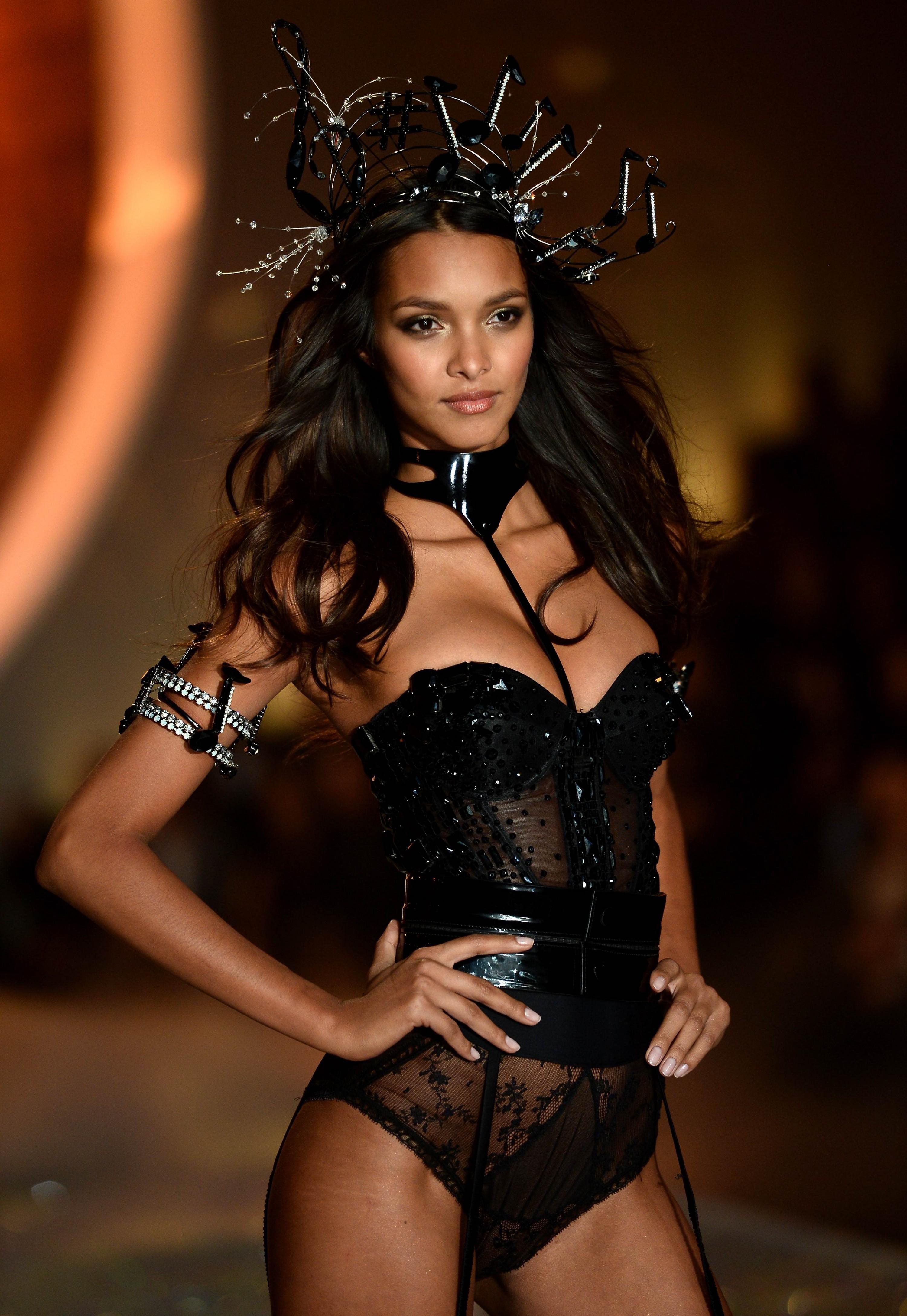 Đây là 54 người mẫu sẽ sải bước tại Victorias Secret Fashion Show sắp tới! - Ảnh 5.