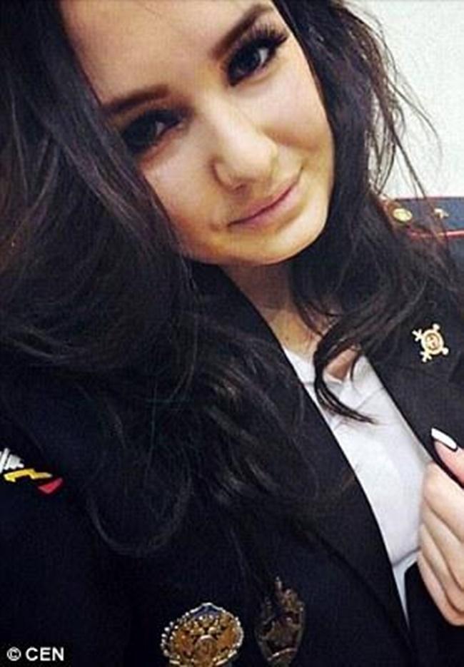 Chùm ảnh: Những nữ cảnh sát xinh đẹp nhất nước Nga - Ảnh 6.
