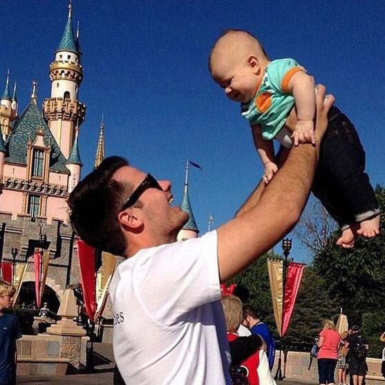 Bạn sẽ thấy vui vẻ hơn bao giờ hết khi xem bộ ảnh bố đưa con đi chơi công viên siêu đáng yêu này! - Ảnh 20.