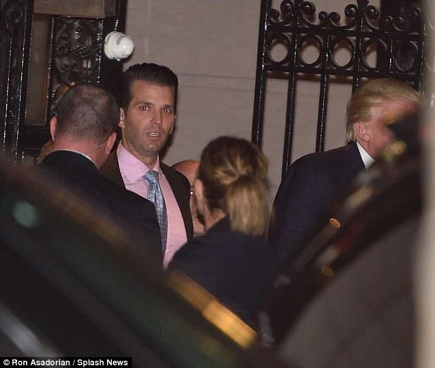 Ông Donald Trump bí mật cùng vợ và các con ăn tối ở Manhattan - Ảnh 14.